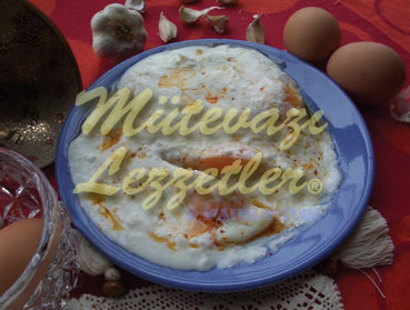 Huevos con yogurt