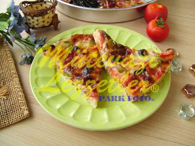 Domatesli Pizza (fotoğraf)