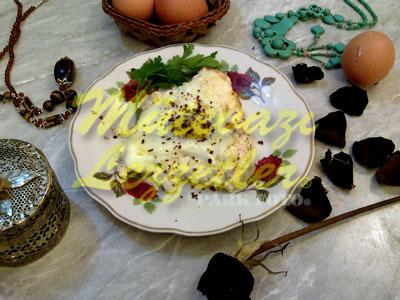 Яйца с сыром в духовке