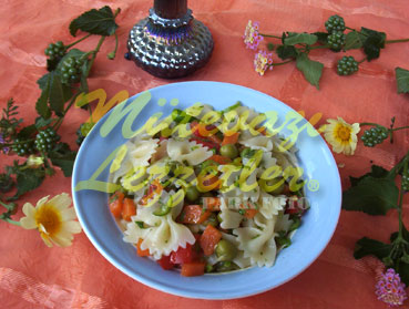 Garnitürlü Makarna Salatası