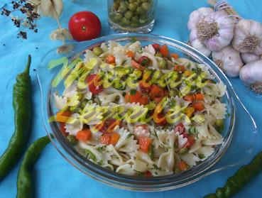 Garnitürlü Makarna Salatası (fotoğraf)