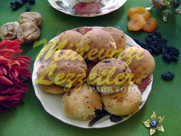 Cookies with Dried Fruits