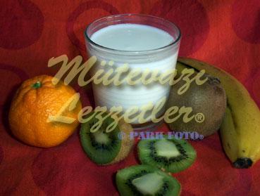 Kivi Mandalina Muz Süt (fotoğraf)