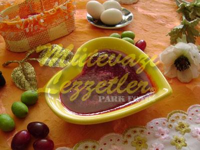 Kornelkirschenmarmelade
