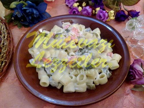 Labneli Makarna Salatası (fotoğraf)