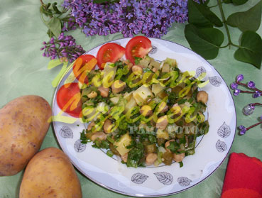 Nohutlu Patates Salatası (fotoğraf)