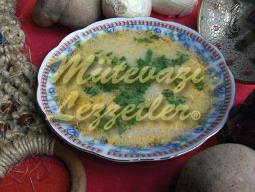H�hnersuppe mit Kartoffel
