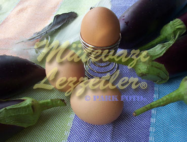 Aubergines with Eggs and Olive Oil