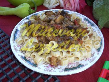 Patlıcanlı Makarna (fotoğraf)