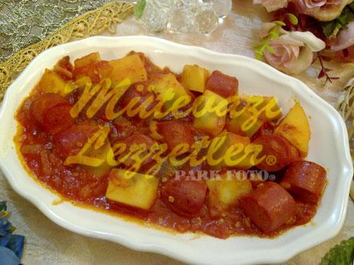 Saucisses A La P�te De Tomate
