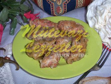 Gefüllte Kohlblätter mit Hühnerfleisch
