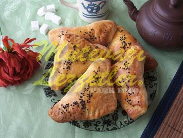 Peynirli Üçgen Çörek (fotoğraf)
