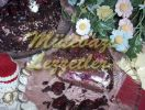 Pastel con crema agria cereza